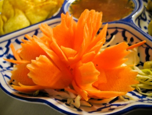 thai-house-carrot-flower