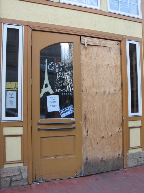 cafe-paris-closed