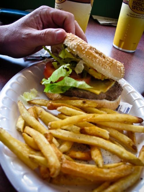 tudors-cheeseburger1